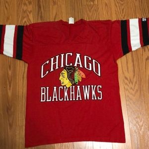 Vintage Logo 7 Chicago Blackhawks Shirt LOOK!!